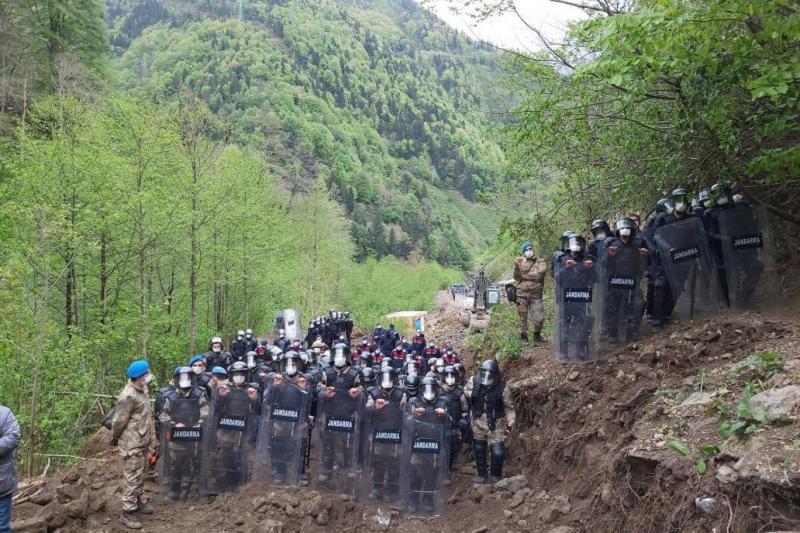 Doğa İkizdere taş ocağı protesto Twitter.jpg