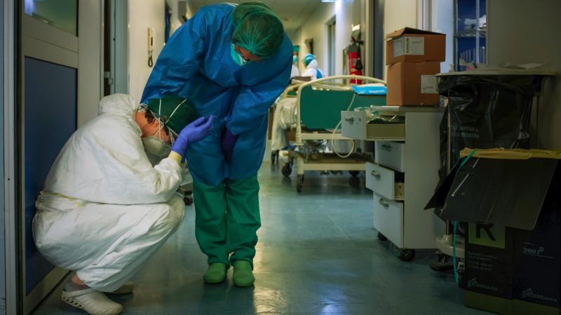 koronavirüsle mücadele sürecinde etkin bir biçimde en ön saflarda yer alıyor