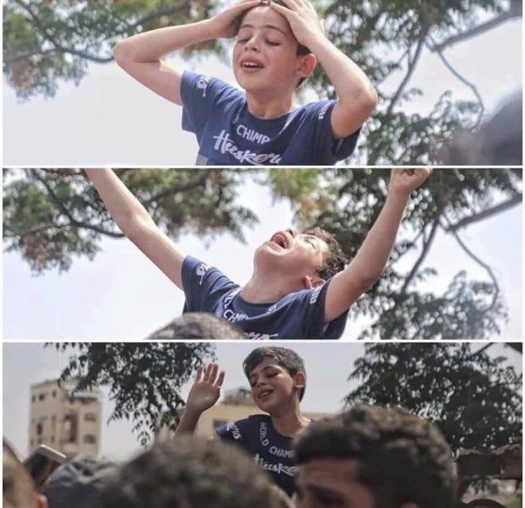 İsrail askeri babasını öldürdüğünde ağlayan Filistinli çocuk-Ansari-shoaib07 instagram paylaşımı.jpg