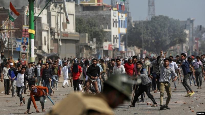 Hindistan'da Müslümanları dışlayıp Hindu milliyetçiliğini destekleyen Vatandaşlık Yasası'na karşı protestolar.jpg