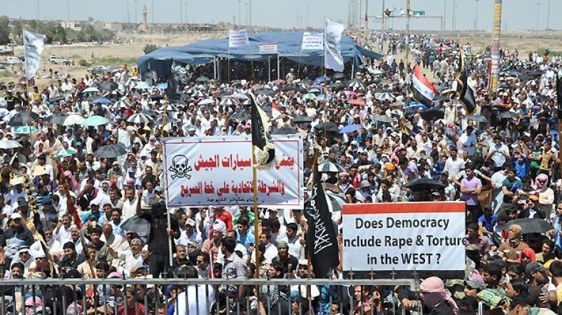 Irak'ta Sünni kitlelerin gösterisi-Mezhep çatışmalarının gelecek yıllarda artarak devam edeceği öngörülüyor-Fotoğraf-Reuters  .jpg