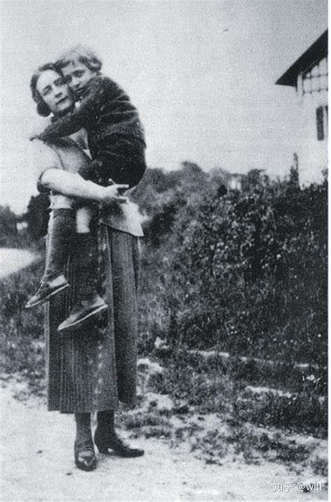 Roland Barthes ve annesi.jpg