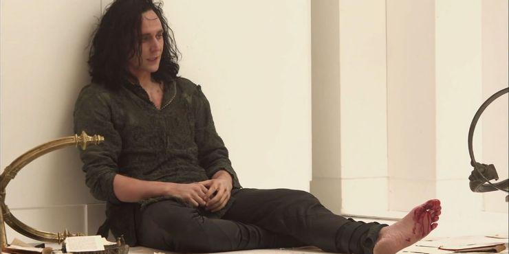 Loki-Prison-Thor-Dark-World.jpg