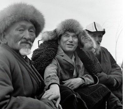 Aytmatov ve Kırgızlar.jpg