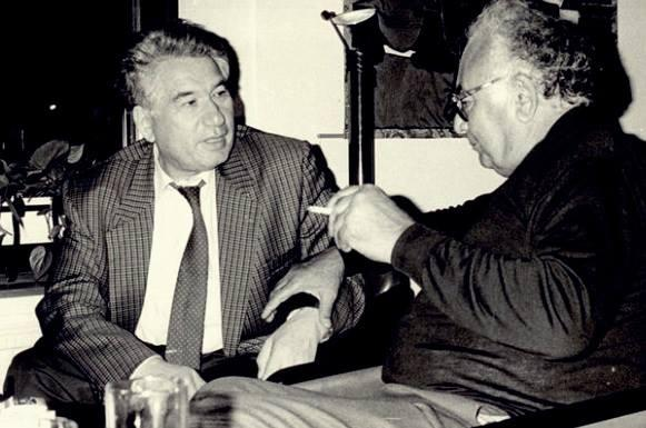 Aytmatov ve Yaşar Kemal.jpg