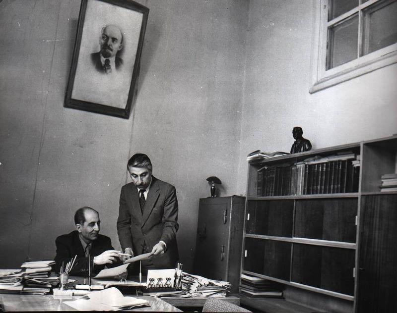 1980'lerde Emerîkê Serdar ile Mîroyê Esed, Riya Teze gazetesinin yönetim merkezinde.jpg