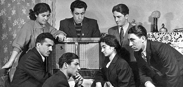 Erivan Radyosunun Kürtçe yayınının dinleyen Kürtler.jpg