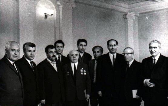 Sovyet döneminde Kürtçe okullarda yetişen bir grup meşhur Kürt aydını, Ermenistan. .jpg