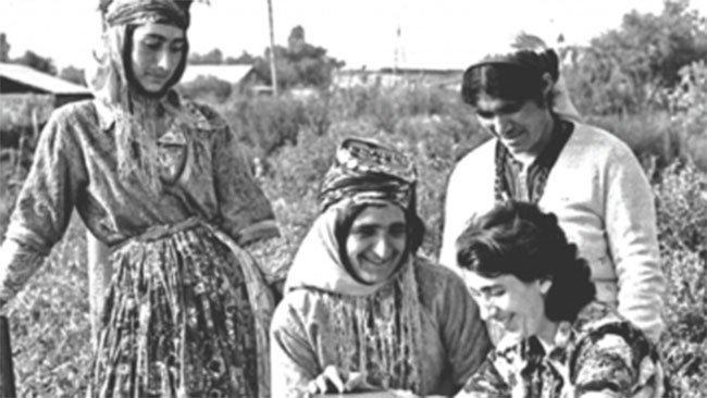 Sovyet döneminde verilen Kürtçe eğitimden kadınlar da yararlanmıştı.-Ermenistan.jpg