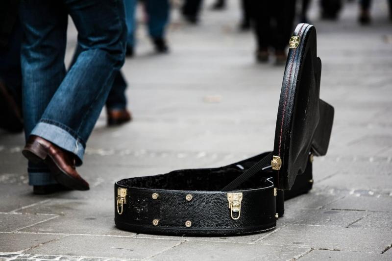 Müzik sokak müzisyen Pixabay.jpg