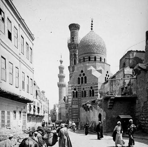 Osmanlı Dönemi Kahire çarşısı, 1800'ler.jpg
