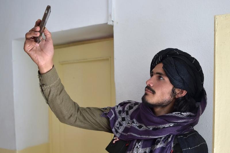 a-taliban-fighter-sear.jpg