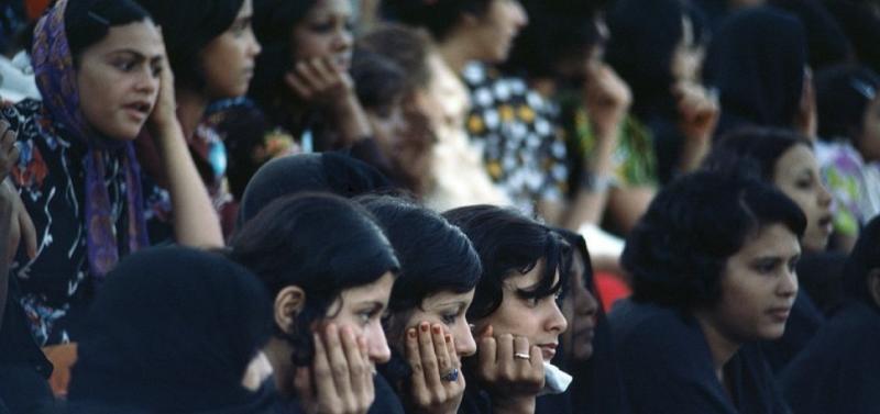 Arap kadınları, Fotoğraf- John Blumer.jpg