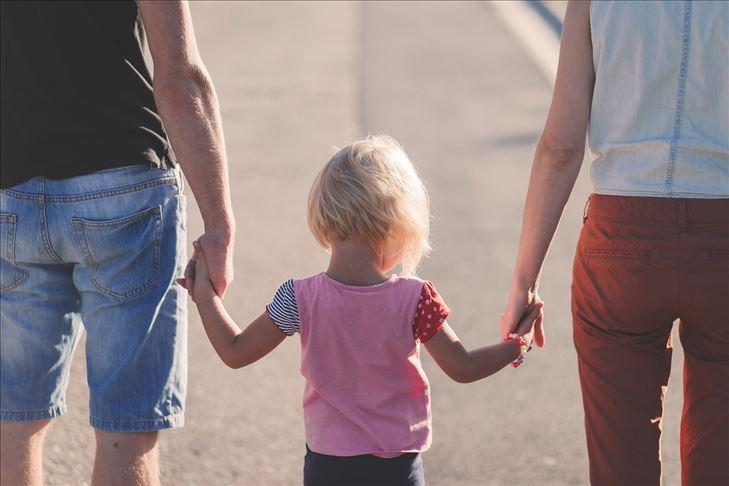 çocuk aile anne baba AA.jpg