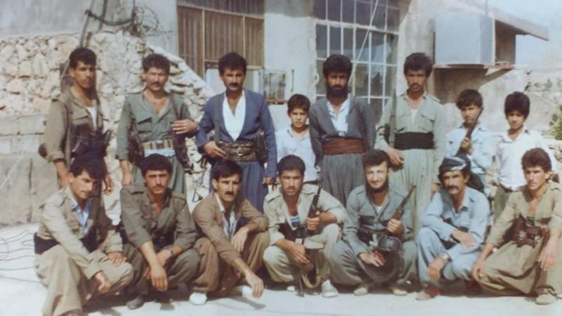 Barzani ve Talabani saflarında Peşmergelik yapan eski Şeyhbızınî gençleri.jpg