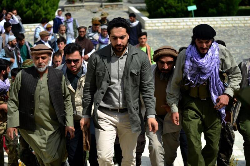 Pençşir bölgesinde Taliban'a meydan okuyan Tacik Ahmet Mesud.jpg