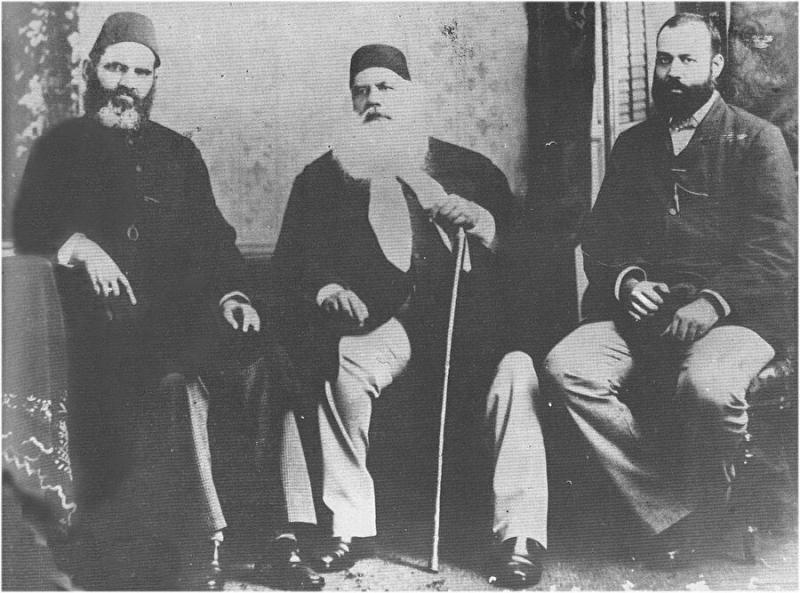 İngiliz yönetiminde Hindistan Müslümanlarına İslami eğitim veren Diyobend ve Aligarh medrese öncüleri-kaynak, Mecra.jpg