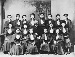 Trabzon'da Yunan Okulu öğrencileri.jpg