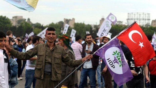 """HDP açıklayacağı deklarasyonla """"Demokrasi İttifakı""""na kapı aralamak istiyor"""