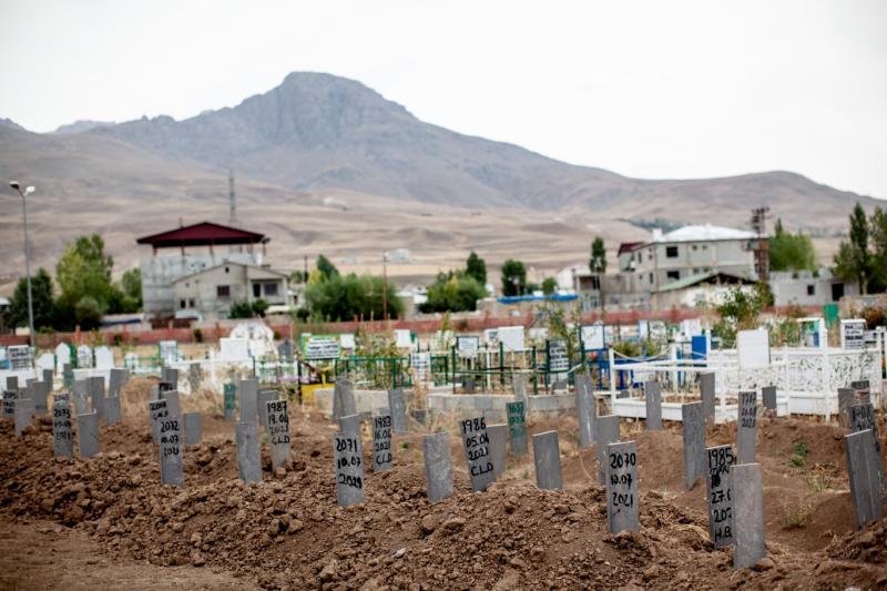 Afgan mezarları.jpg