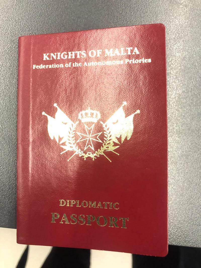 Malta Şövalyeleri Diplomatik Pasaportu.jpg