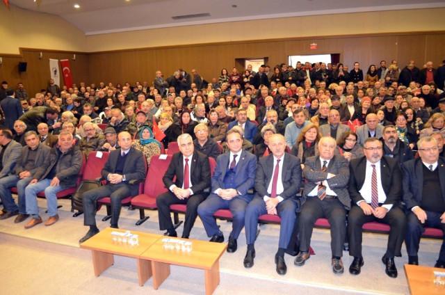 HAYIR kampanyası çerçevesinde CHP Başkan Yardımcısı Bülent Tezcan ve Seyfi Oktay, diğer partililerle... Kaynak-Sondakika, com. 15 Şubat 2017-001.jpg