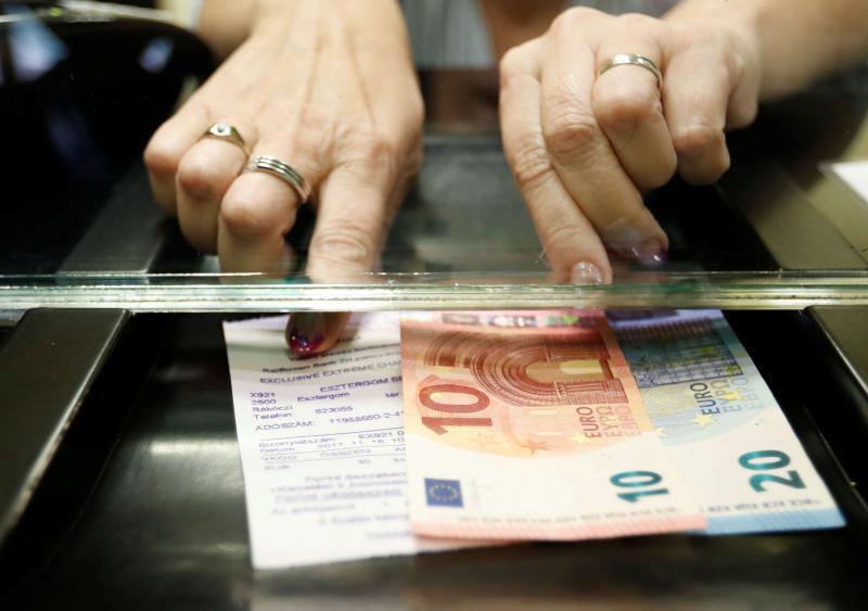 Euro Polonya Reuters