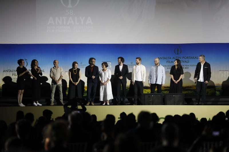 Zuhal Film Ekibi Sahne.JPG