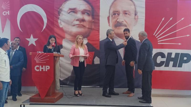 Oğuz Kaan Salıcı, Hakkari'de partisine katılım töreni düzenledi. kaynak-Gazete Duvar.jpg