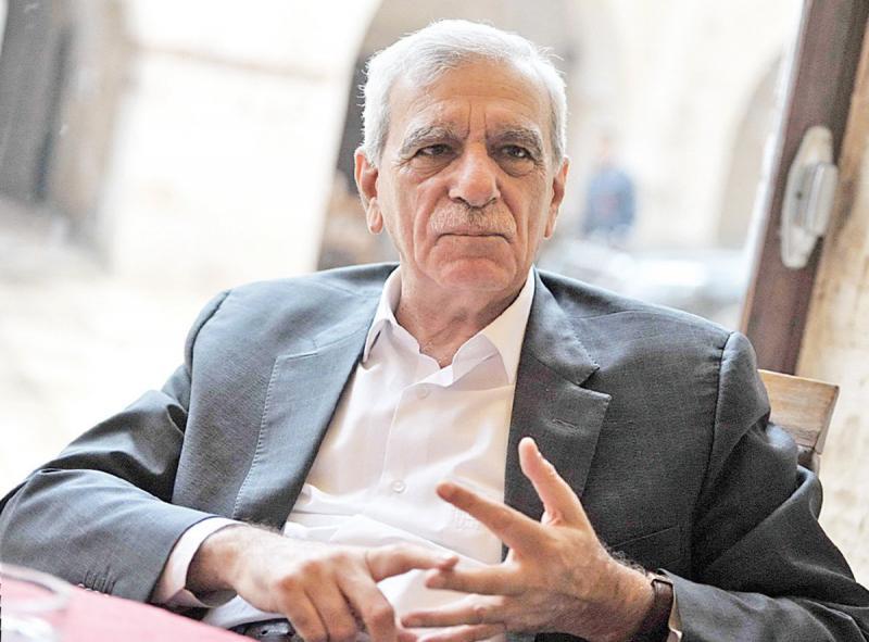 Ahmet Türk, Kürt çözümü tartışmalarında siyasi ve diplomatik tecrübesini konuşturdu. Kaynak-Sözcü gazetesi, Ruhat Mengi.jpg