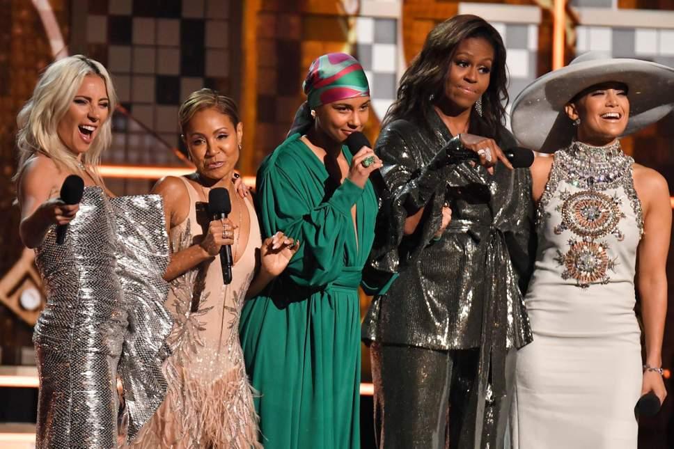 Grammy Michell Obama sahnede