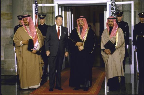 suudi kral fahd ve abd başkanı reagan