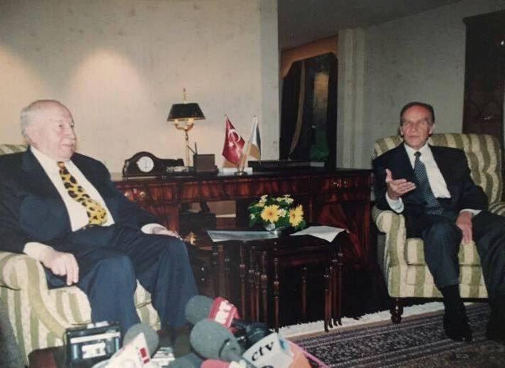 Erbakan Aliya İzzetbegoviç.jpg