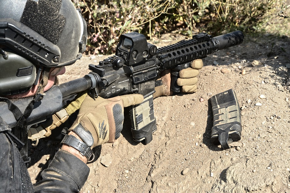yarı otomatik askeri silah.jpg