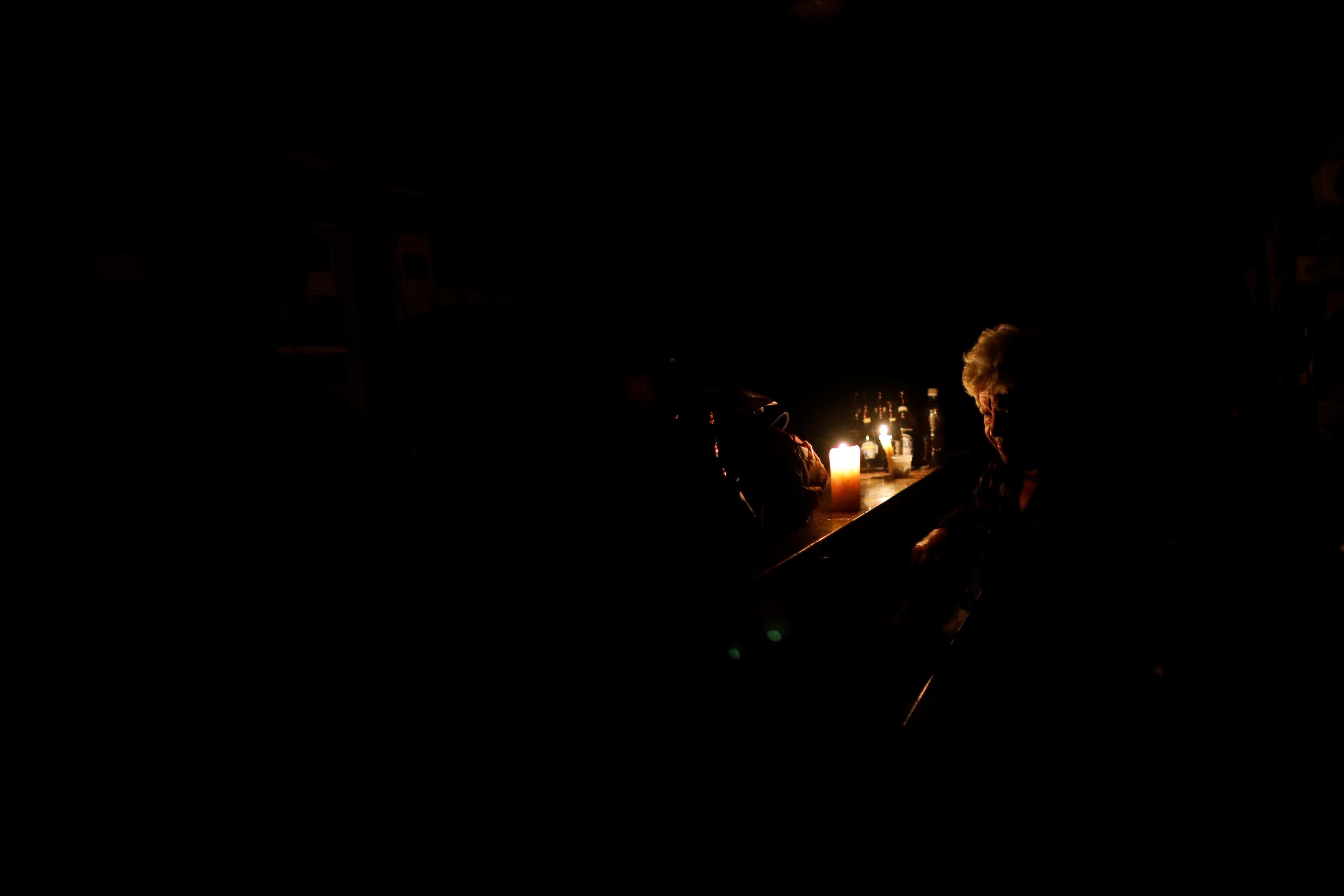 Venezuela elektrik kesintisi Reuters.JPG