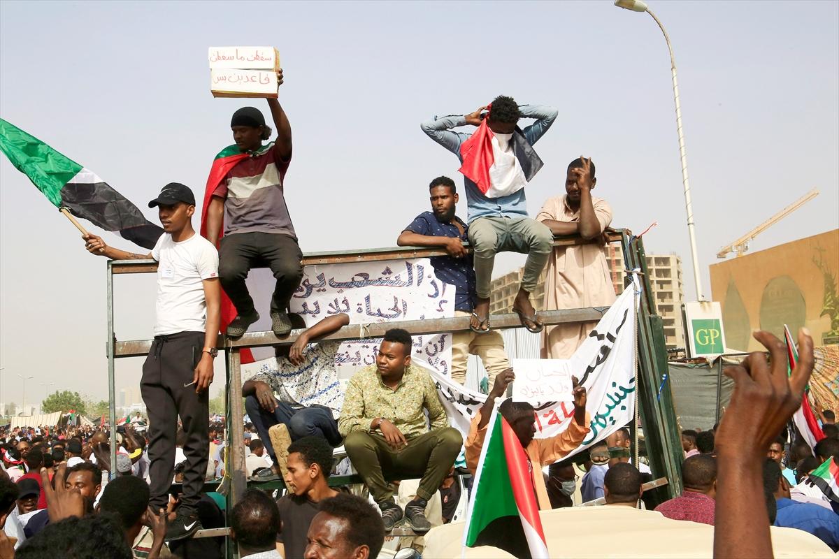 sudan ordu yönetime el koydu AA 2.jpg