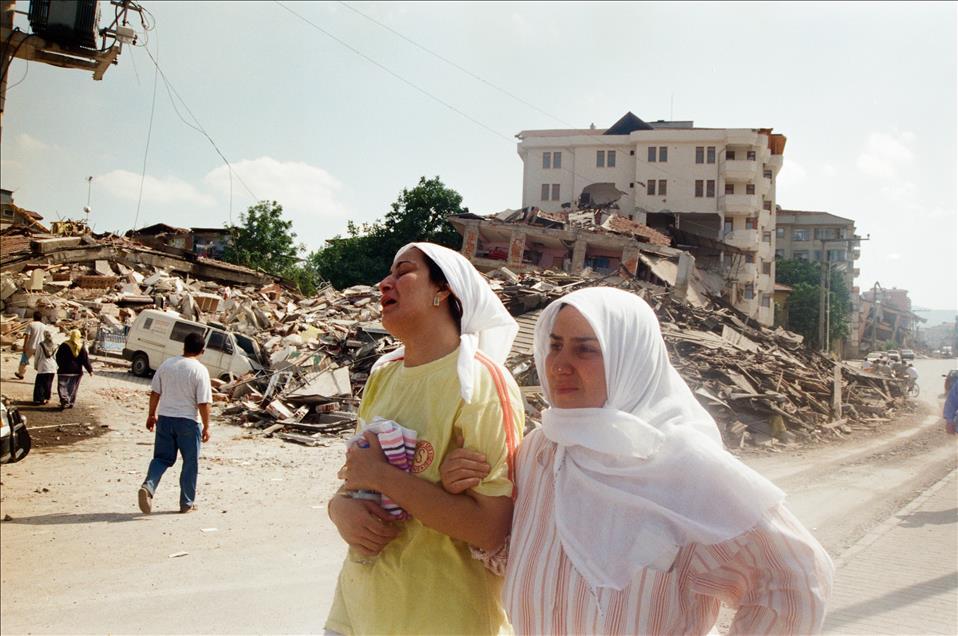 17 Ağustos Depremi 5.jpg