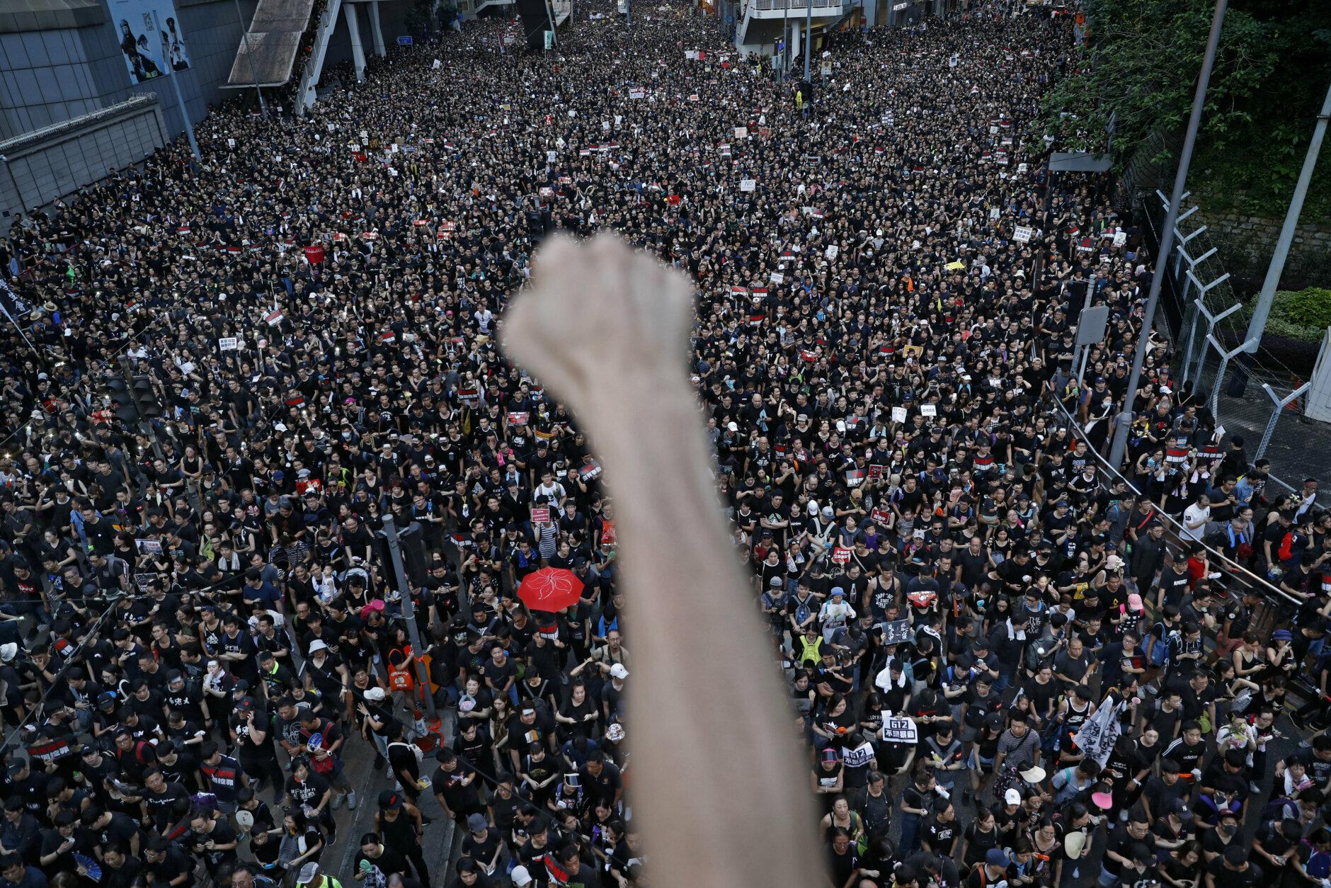 16 Haziran Hong Kong AP.jpg