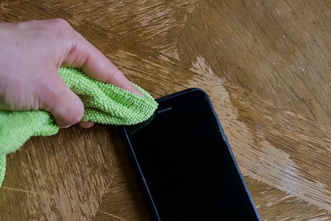 iPhone-Hoparlörü-ve-Mikrofonu-Nasıl-Temizlenir.jpg