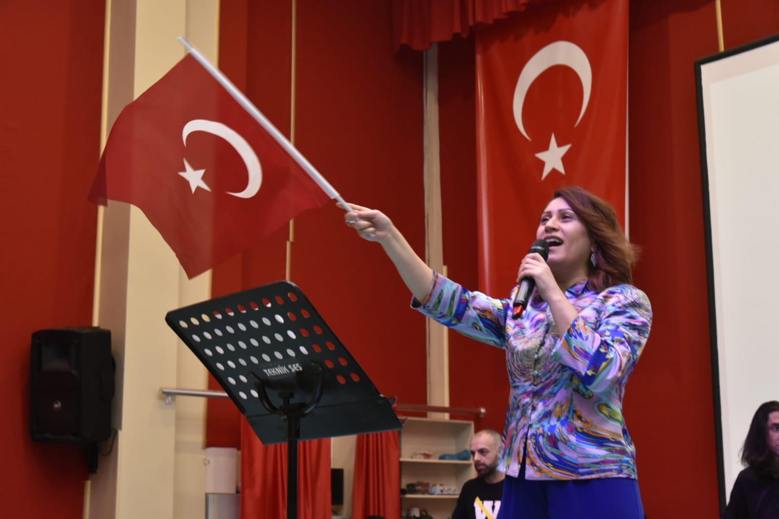 Azerin (5).jpeg