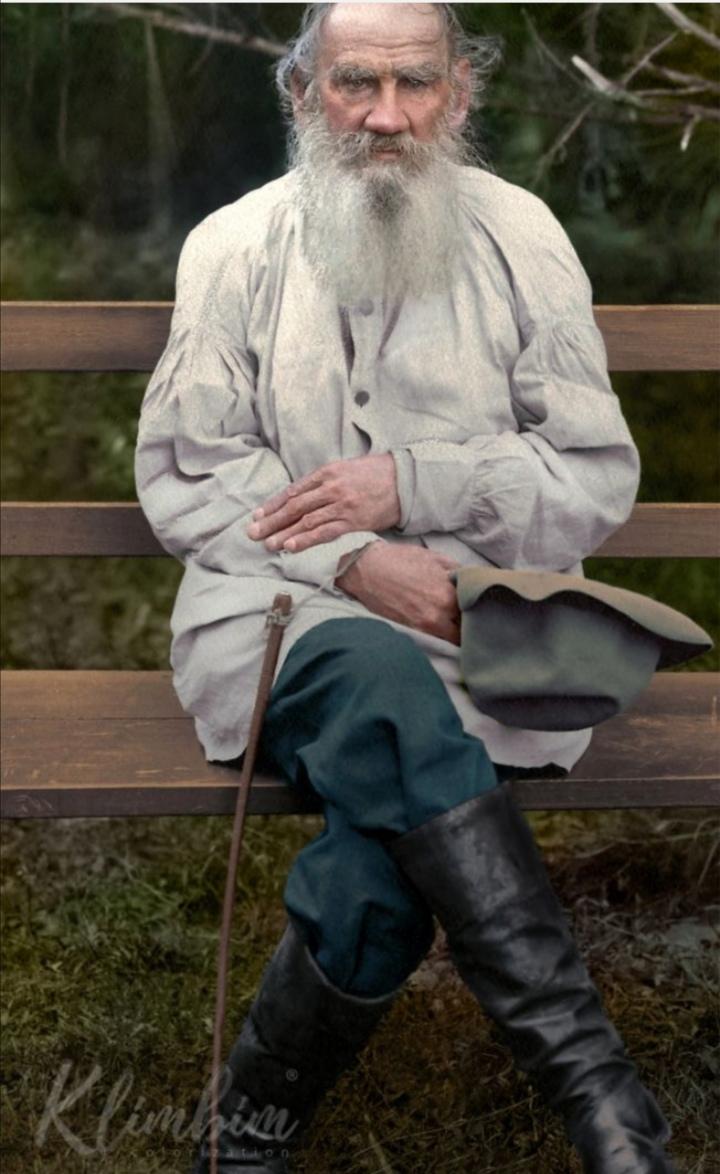 Tolstoy (1).jpg