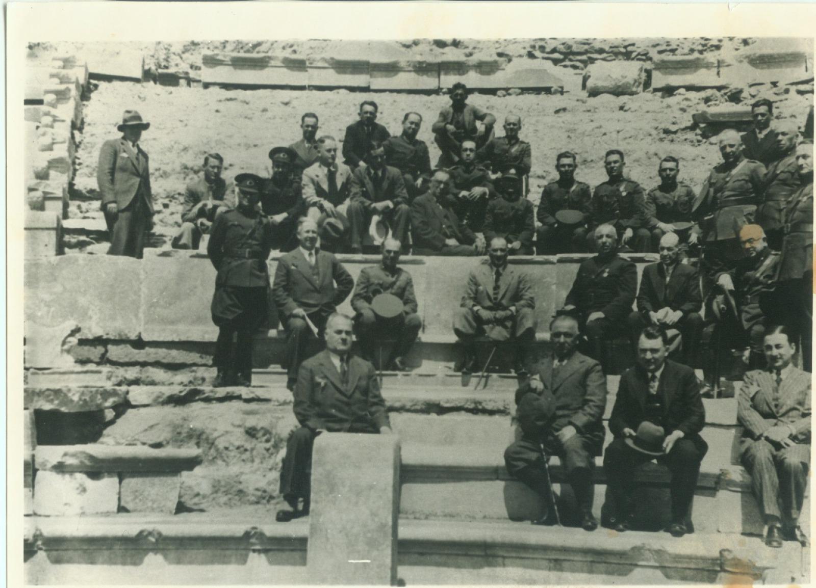 Atatürk ve Dirik 2.jpg