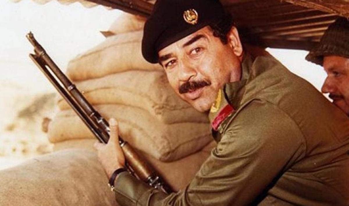 Saddam Hüseyin.jpg