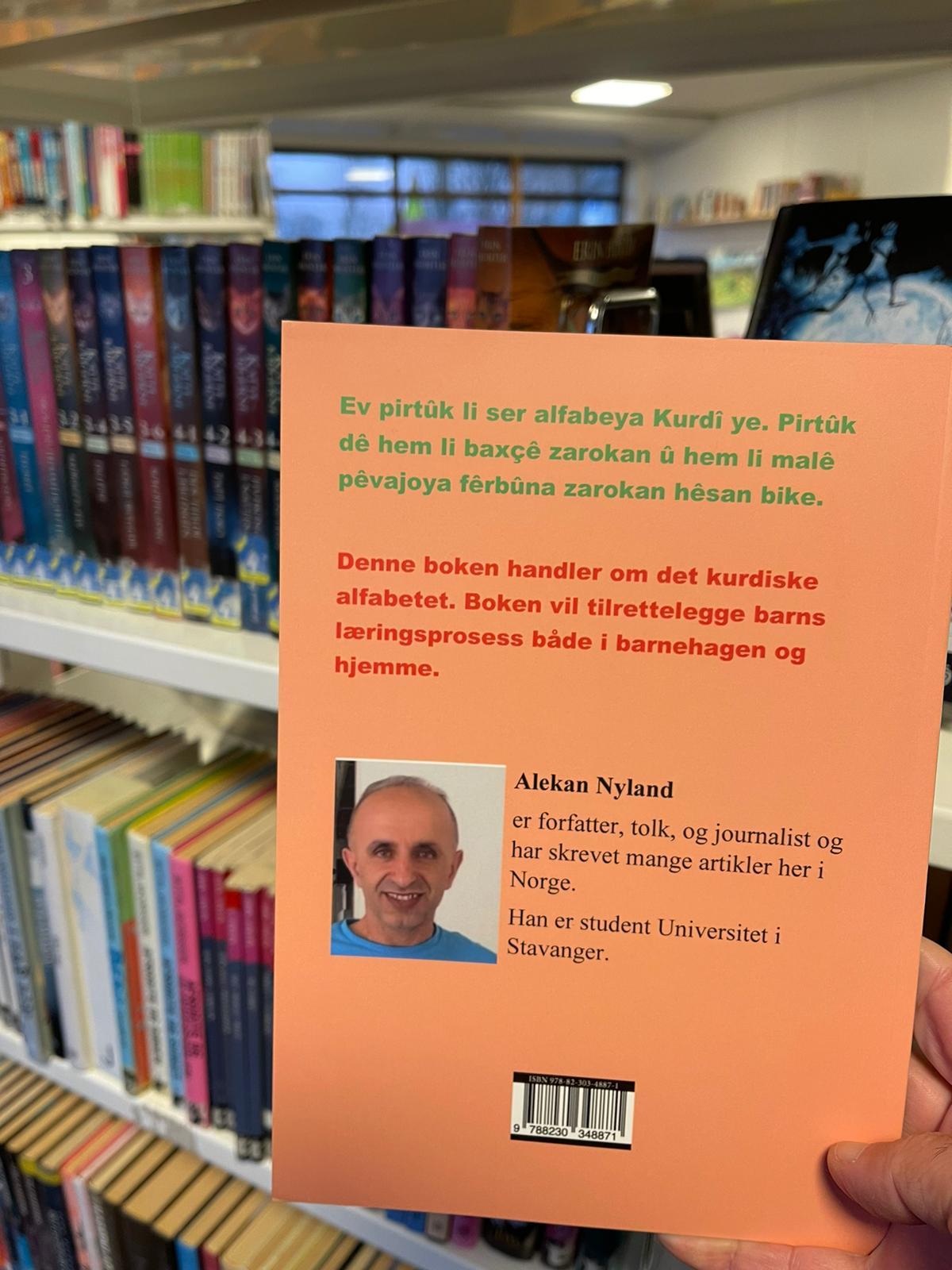 """Norveç'te, ilk Kürtçe kitap, """"Alfabeya Kurdi"""" yayınladı (6).jpg"""