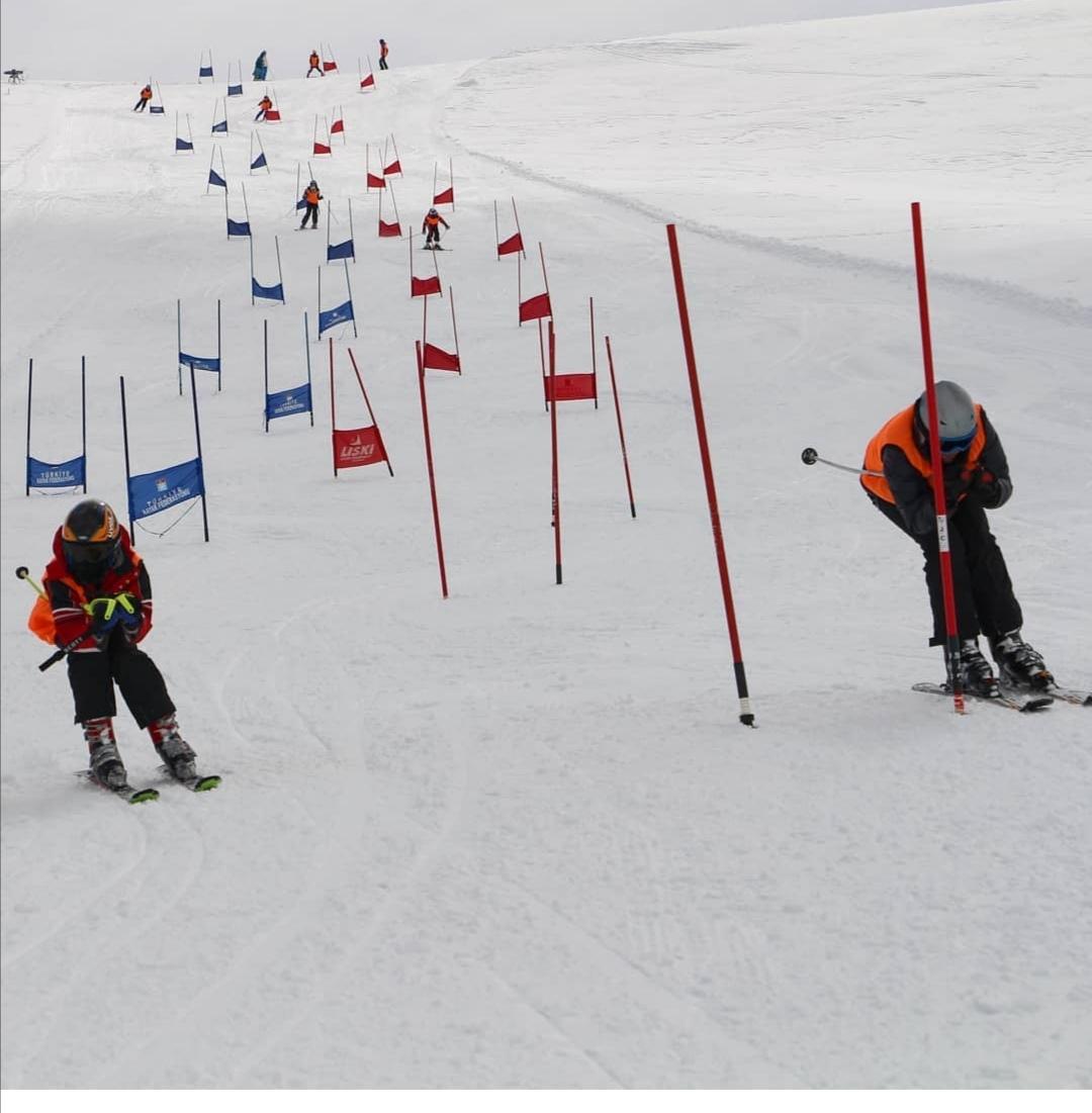 Hakkari, kayak merkezi ile Orta Doğunun yeni gözdesi oluyor (5).jpg