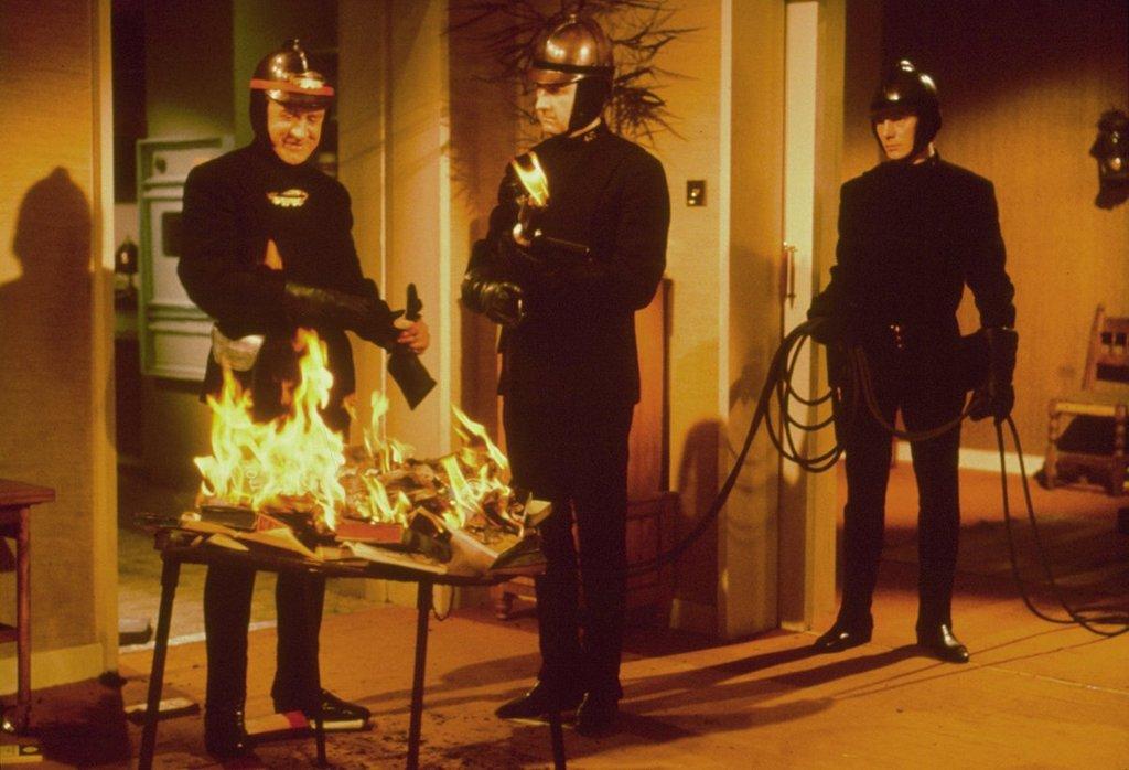 Fahrenheit 451 (4).jpg