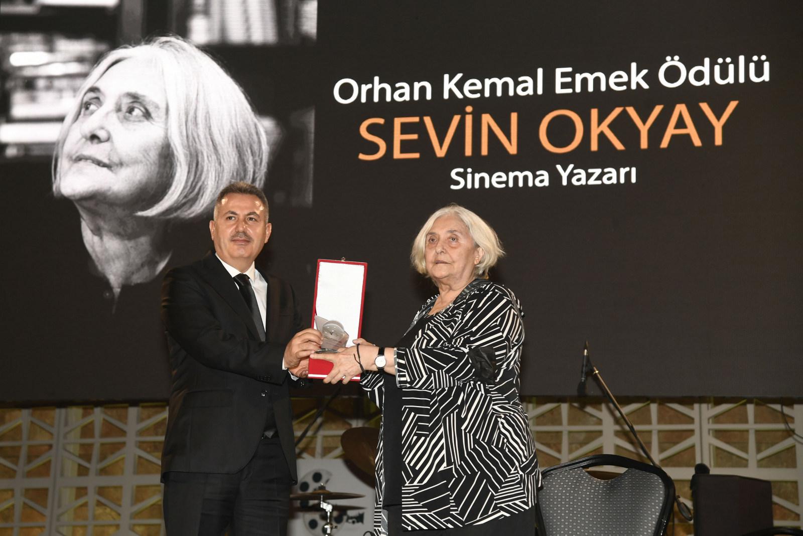 Adana Altın Koza (Sevin Okyay).jpg